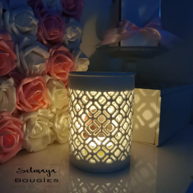 Taaj - Bruleur pour fondant parfumé en porcelaine blanche