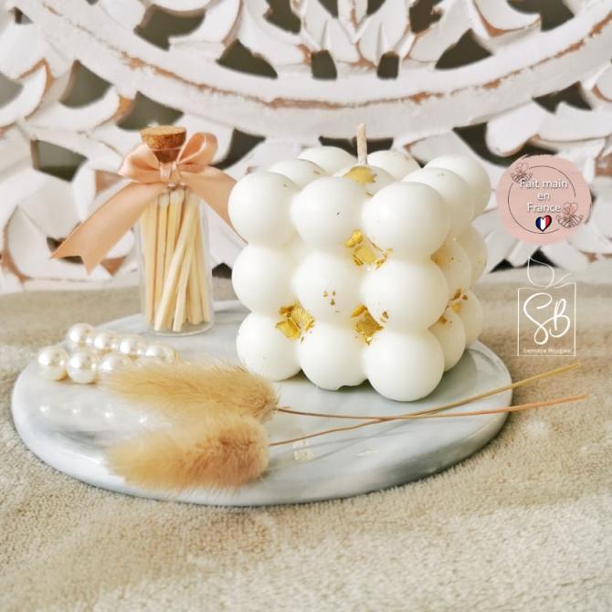 Bubble blanc et doré - Bougie cube à bulles décorative à la cire végétale